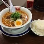 風風ラーメン - 担々麺&ライス。