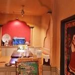 インディアンレストラン シャンティ - 【再訪追加2015/1】奥にある大人数用のソファ席です