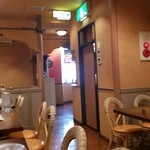 インディアンレストラン シャンティ - 【再訪追加2015/1】入口付近の内観です