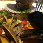 プリマベーラ - いろいろな貝のリングイネ