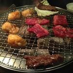 韓国苑 - 炭火で焼きます