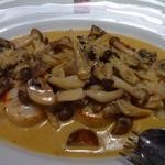 キヴィシルト - ホタテのグリルキノコソース。マコンとよく合う料理ですね。美味!!