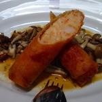 キヴィシルト - 海老のパートブリック包み  まあ海老&海老しんじょう春巻きです。  ¥1400ぶっとくて海老の味があって美味しい!