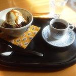 今出川珈琲館 - コーヒーあんみつ \650(外税)