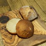 bistro BARNYARD - 玉ねぎパン, リュスティック