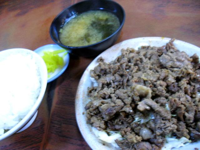 喜楽 - 焼肉大盛定食 ¥880