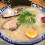 Tsurukamedou - みそとんこつ全部のせ750円