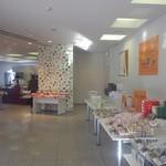 34041469 - 一階はお菓子売り場