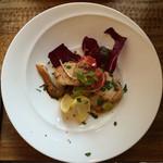 34042193 - セコンド:カジキマグロのロースト 野菜添え。タプナードソース。セロリのソース。鮑茸。