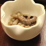 蔵六鮨 三七味 - 穴子の肝の山椒煮 (2014/12)
