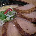 波飛沫 - 料理写真:特選トロチャーシュー(950円) ・・・ 柔らかくほぐれるようなチャーシューです☆数量限定。
