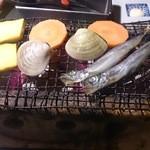 34054139 - 漁師飯豪快カニ荒汁御膳の漁師焼き