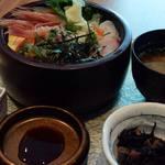 音音 - 海鮮丼