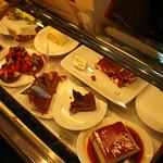 カフェフーケ - シューケースのケーキ
