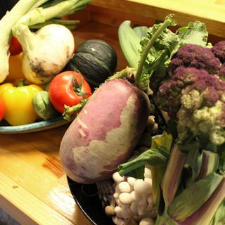 旬なお野菜を使用した創作料理をご提供致します。