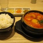 東京純豆腐 - 豚キムチスンドゥブ