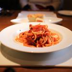 34062086 - 三河のタコとセロリの辛いトマトソースのリングイネ☆
