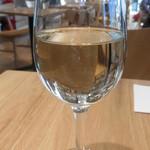 ブルー ツリー カフェ - グラスワイン
