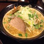ラーメン スミス - 炒めた野菜旨し       スープ濃厚旨し