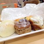 阪急ベーカリー - 料理写真: