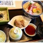いちまる日本料理 - 料理写真:海の幸丼 1,080円