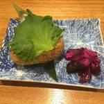和牛処 Hana - 焼きおにぎりです。しそがほどよいアクセントになっております。