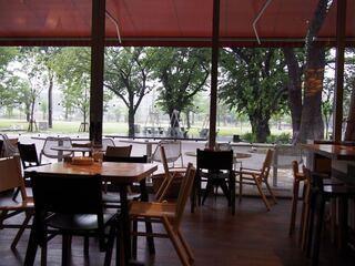 グッドモーニングカフェ 中野セントラルパーク店 - ゆったり公園が見えます
