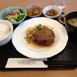 34074337 - ハンバーグ定食 790円