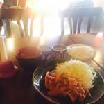 34075395 - コレナイ豚の生姜焼き定食