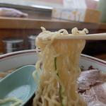 新月  - 中細縮れ麺