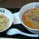 34079953 - 福龍担々麺&炒飯セット(910円)