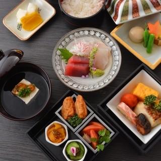 職人の技が光る日本料理をリーズナブルにお楽しみ頂けます。