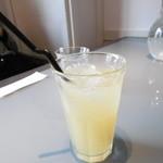 アオイカフェ イズミ - リンゴジュース