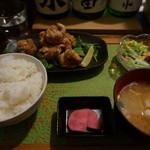 ゴリラ食堂 - 若鶏の唐揚げ定食【750円】(2015/1/9)