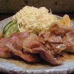九州料理 球磨家 - 甘めのタレにひたっています
