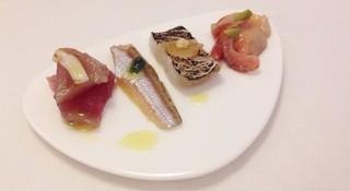 魚介のイタリア料理 murata - (前菜)メジマグロのスカモルツァチーズ、ハタハタのバジルソース、太刀魚と林檎のコンポート、赤貝の洋ワサビ☆