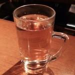 ジョリーパッド - アーリータイムスのお湯割り450円♪
