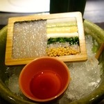 アトリエ森本ゼックス - 贅沢コース(19800円)・前菜 甘海老のタルタル 7種類の薬味添え