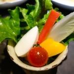 アトリエ森本ゼックス - 贅沢コース(19800円)・新鮮野菜のバーニャカウダ カニ味噌を入れたソース