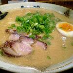 越後秘蔵麺 無尽蔵 - 豚骨醤油らーめん