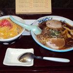 たるまい軒 - 醤油ラーメン 玉子丼セット680円