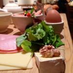 34100995 - ファーマーズブランチセットのチーズとクルミ