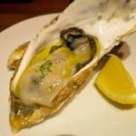 立飲 札幌バル - 生牡蠣