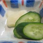 彦兵衛 - 胡瓜の糠漬け、白たくあんアップ