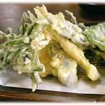 吉野屋 - 山野菜天ぷら 700円