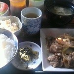 ふらいぱんきっちん - 料理写真:日替り定食(鶏とキノコのソテー)