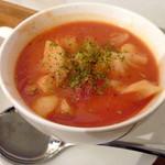ワタナベナンバン - 2014年12月からの新メニュー、具だくさんスープ。この日はトマトスープ(ソーセージ・キャベツ・じゃがいも・人参入り)でした。おいしくてリピート決定!