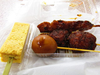 地雷也 養老サービスエリア下り線店 - つゆだく玉、雷煮玉子、豚ひれ味噌串かつ、とりもも