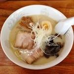 ラーメン笑福 - 塩ラーメン(650円)