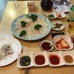 韓国家庭料理 コマ  - ひらめさしみ